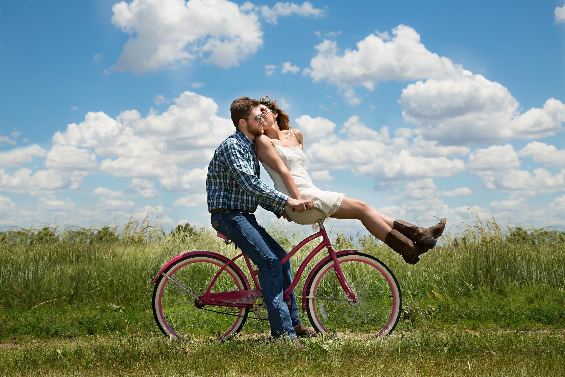 Wiosna – sezon na randki! 5 pomysłów na wiosenną randkę